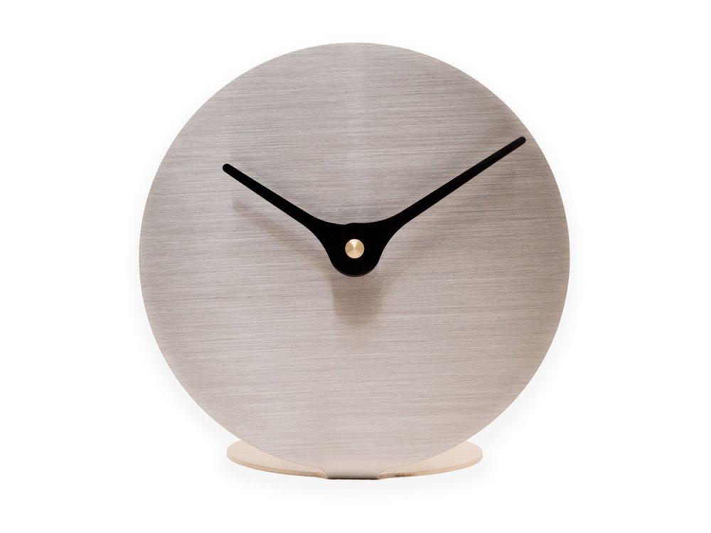 Nordahl+Konings-bordklokke-LTCSS_Lilje+Table+Clock_Stainless+Steel.jpg
