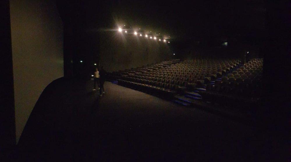 Avant l'entrée des spectateurs