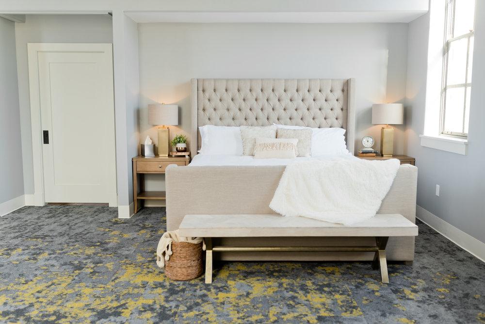 SOUTH FLAT - 1 BED/1BATH - $275/$295 -