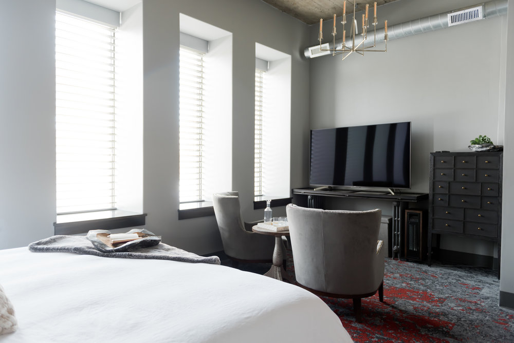 North Flat TV & Lounge Area