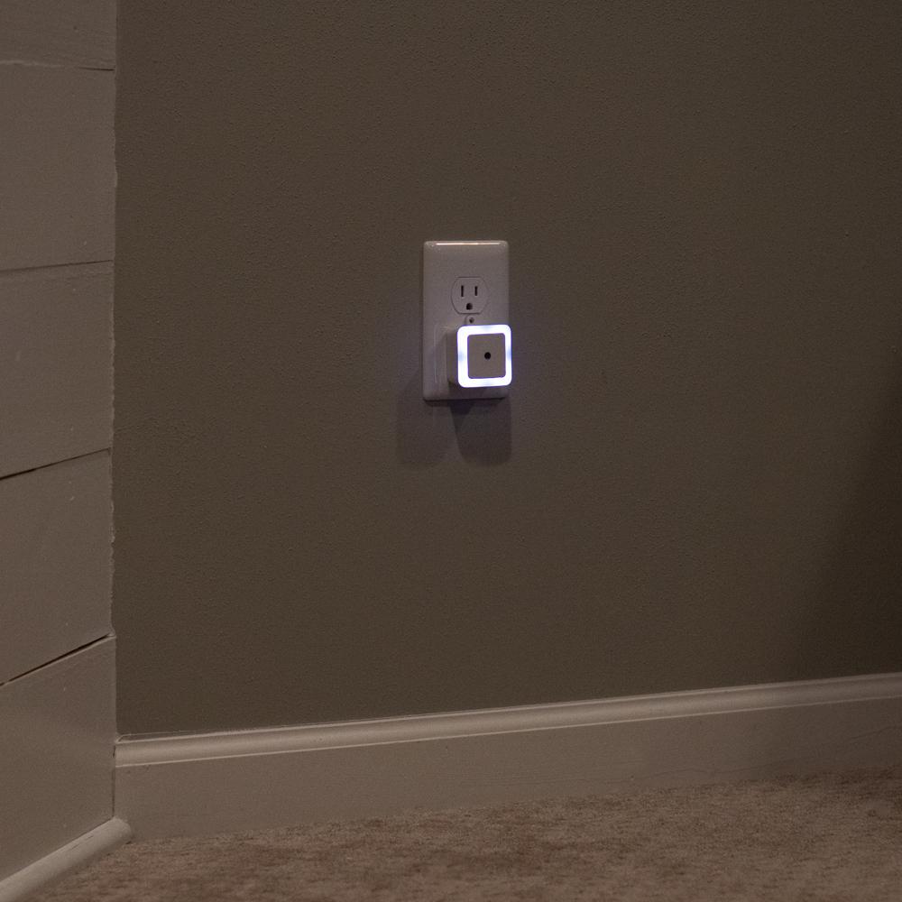 dmex1-livingroom-light.jpg