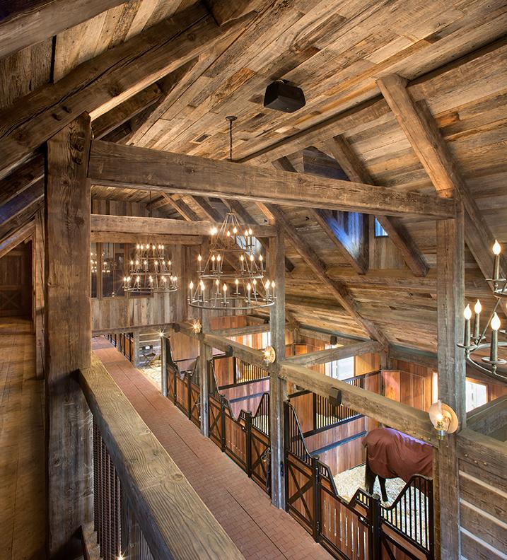 Eagles-rise-stables-interior-web.jpg