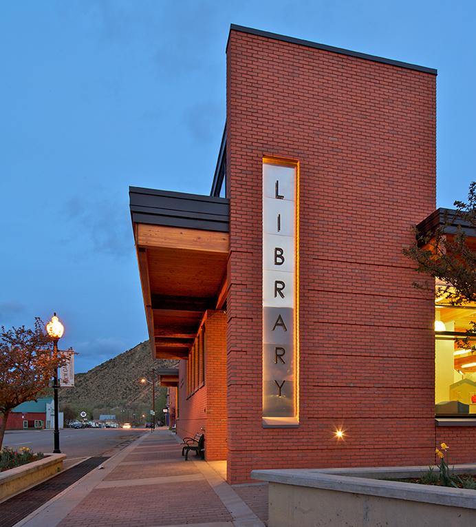 New Castle Library-ext.jpg
