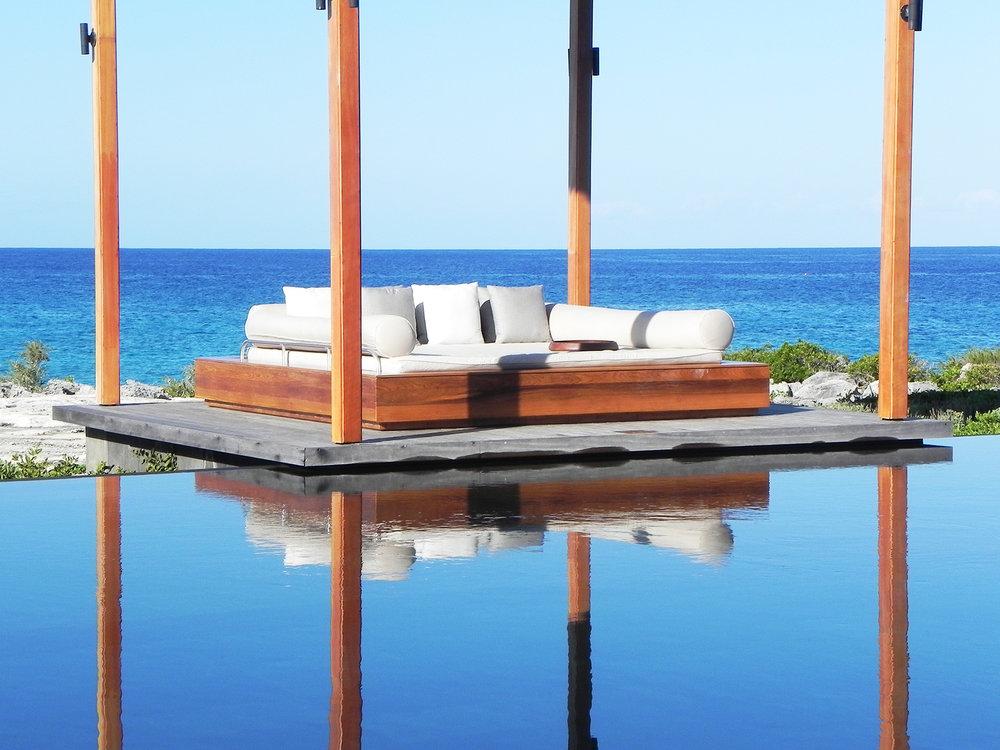 Amanyara-Floating-Couch.jpg