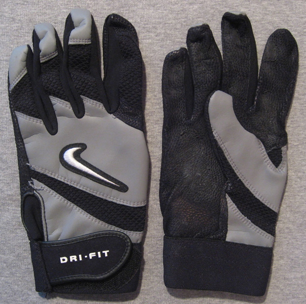 BATTING GLOVES -