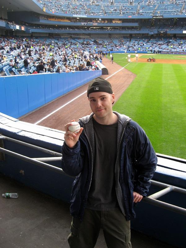 3,000th ball at Yankee Stadium