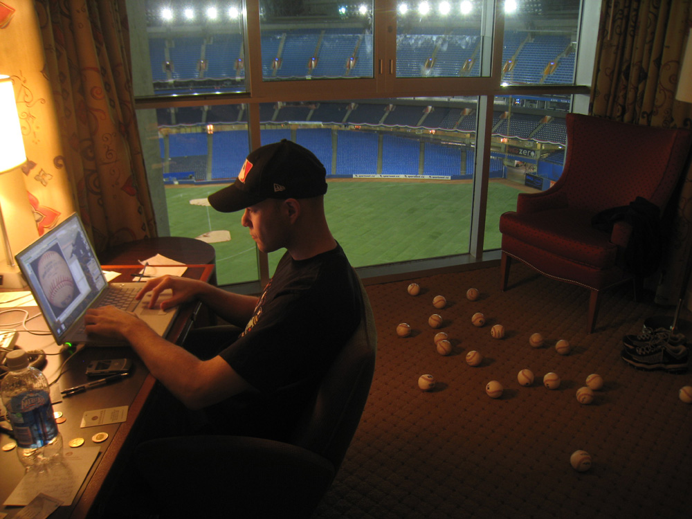post-game blogging at the Rogers Centre hotel
