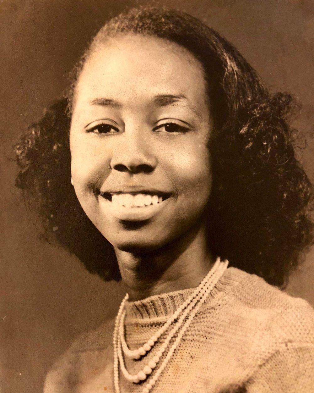 My Momma - HS Senior (Weems Jacksonville Photography Studio)