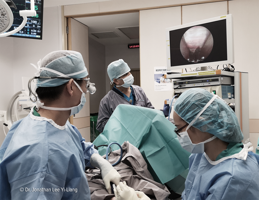 Dr. Lee performed an endoscopic Carpal Tunnel Release surgery at Mount Elizabeth Hospital in Singapore in 2018