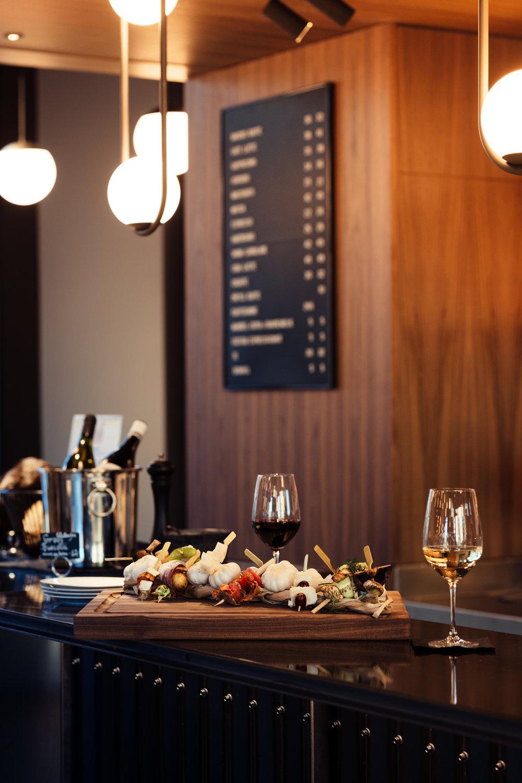 Haakon-Restaurant-Lunsj-kafe-kaffebar-Dugurd-arrangement