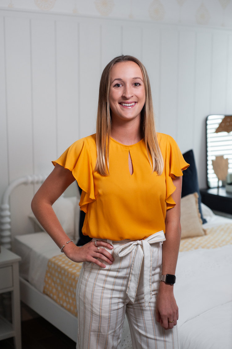 MEET VICTORIA - The other voice behind the blog & commercial Instagram.