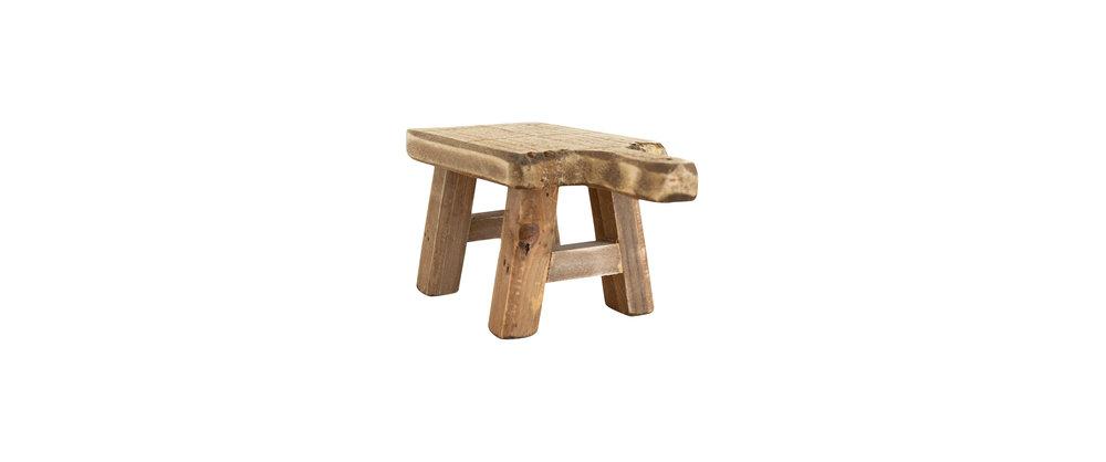 Distressed_Wood_Pedestal_3.jpg