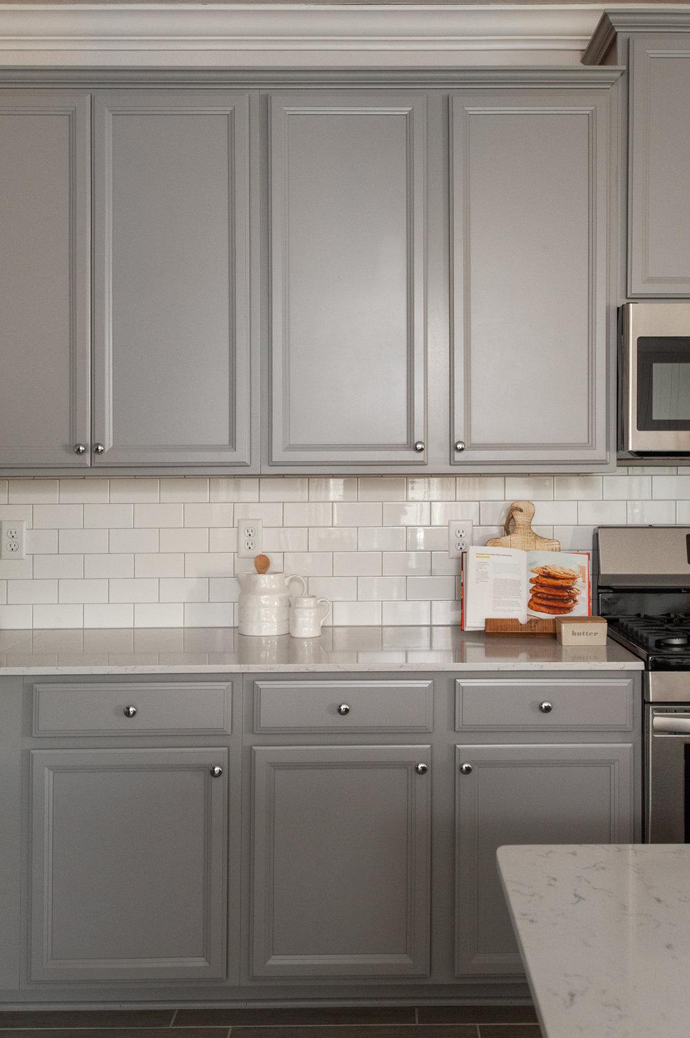 Micamy_Interior Designer_Design_Interior_Model_Merchandising_Kitchen_Grey_Cabinets_Forty West_Lennar_Cookbook_SubwayTile_Farmhouse.jpg