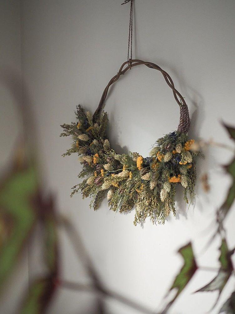 EVERLASTING WREATH BY    BOTANICAL TALES     Bring a little bit of joy into the home with a gorgeous dried flower wreath, lovingly made by floral creative Botanical Tales. Each one is handcrafted, meaning they are totally unique and can be made according to your choice of colour palette.    £40    Available    here