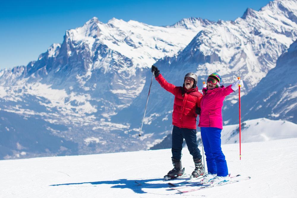 Seniors skiing.jpg