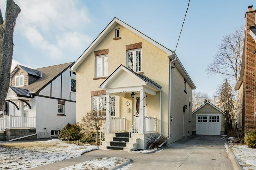 180 Willingdon - A family home close to the university and the lake. It's completely renovated and understandably it sold very quickly.Listed at $675,000.