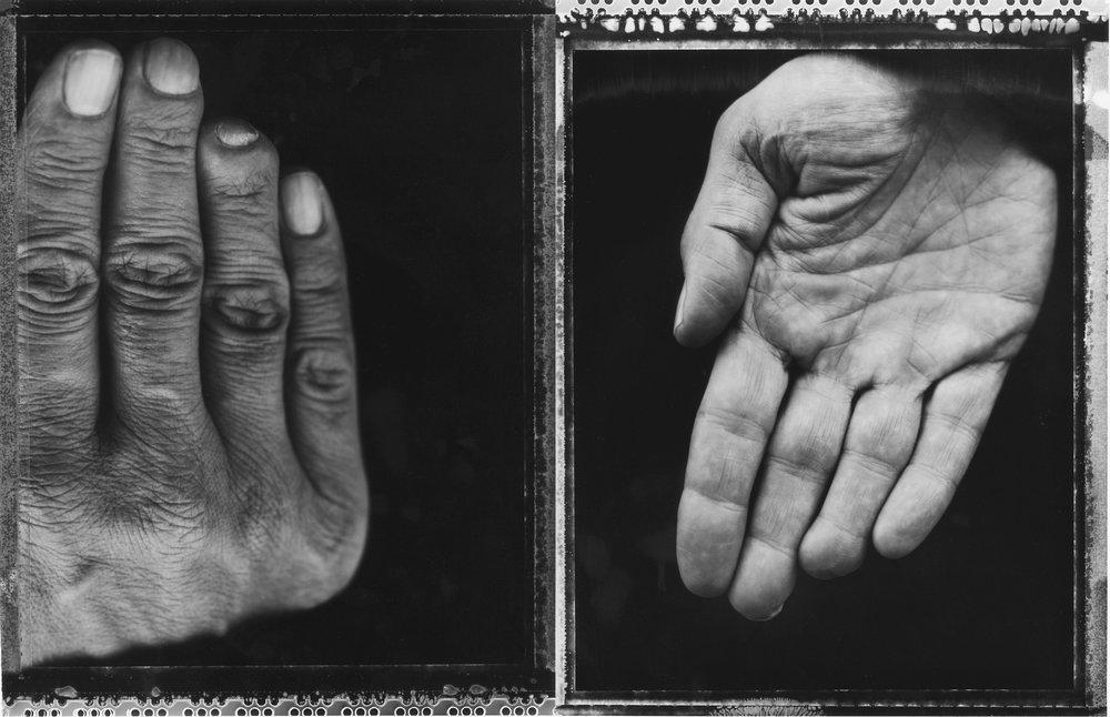 Iommihand2.5MB.jpg