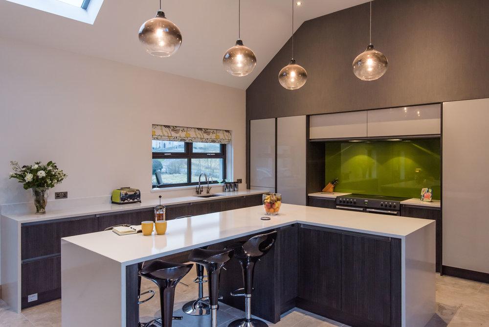 DN -004 -Gloss kitchen.jpg