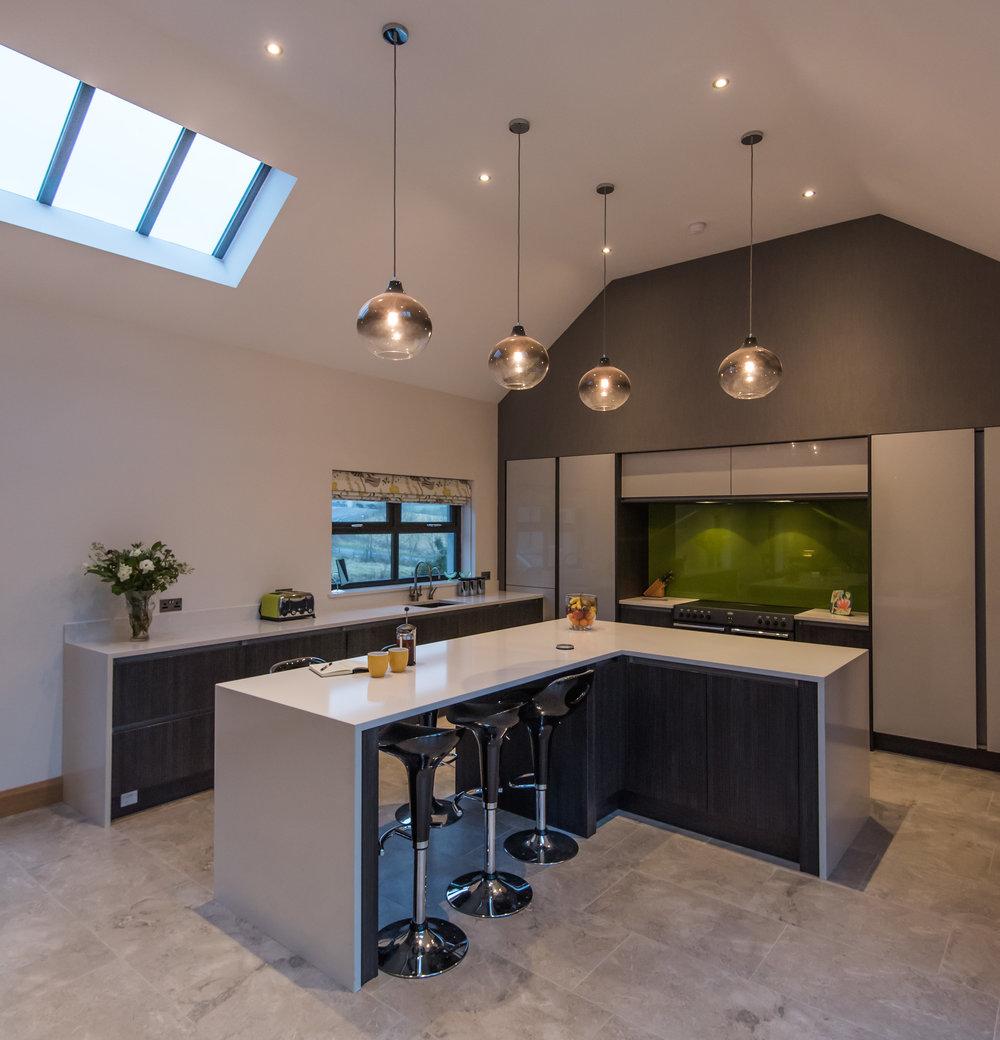 DN -003 -Gloss kitchen.jpg