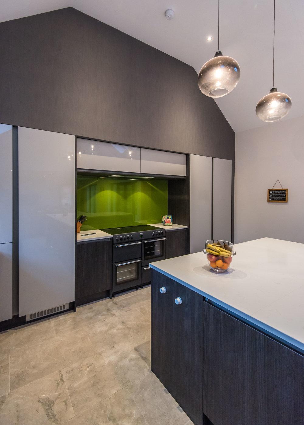 DN -006 -Gloss kitchen.jpg