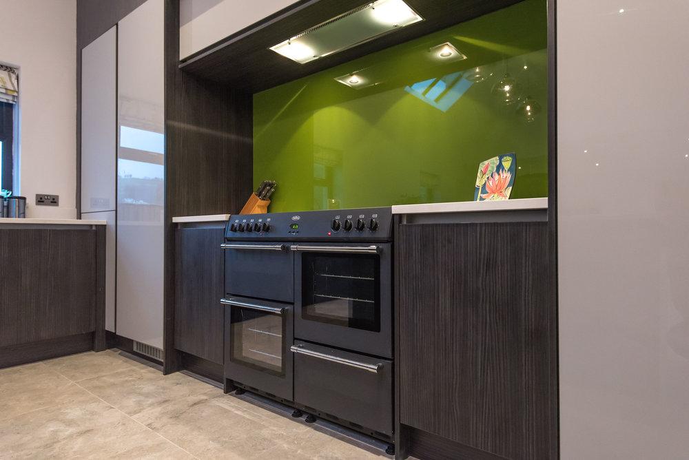 DN -007 -Gloss kitchen.jpg