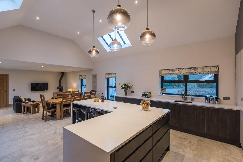 DN -009 -Gloss kitchen.jpg