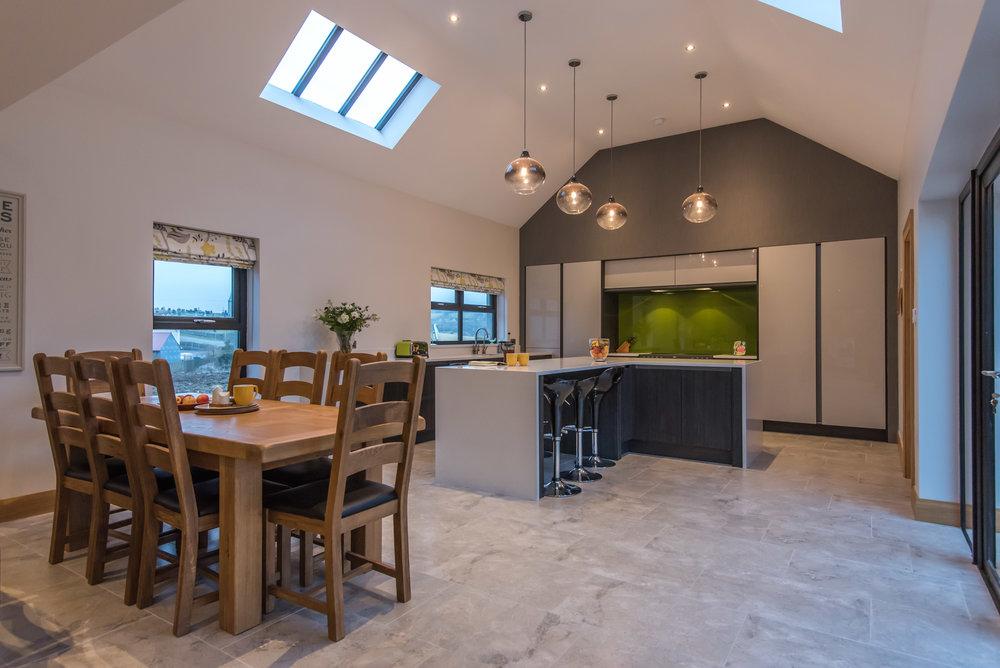DN -011 -Gloss kitchen.jpg