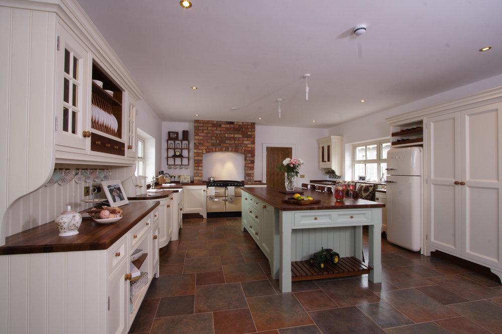 MT -004 -Hand painted kitchen.jpg