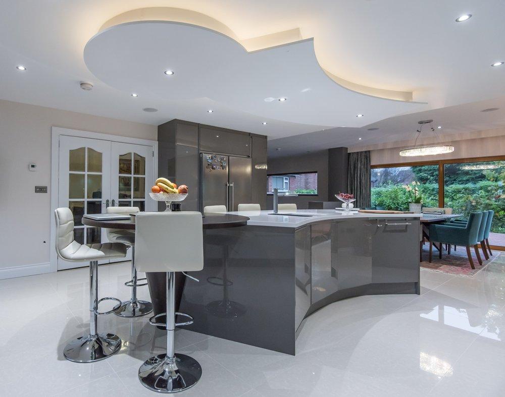 LF -001 -Gloss kitchen.jpg