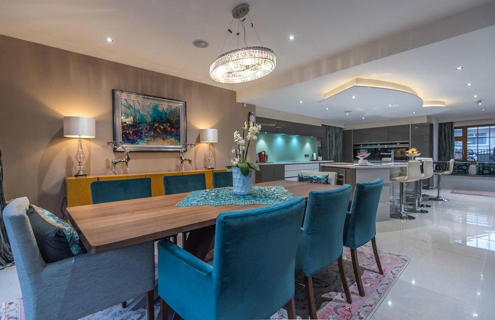 LF -007 -Gloss kitchen.jpg