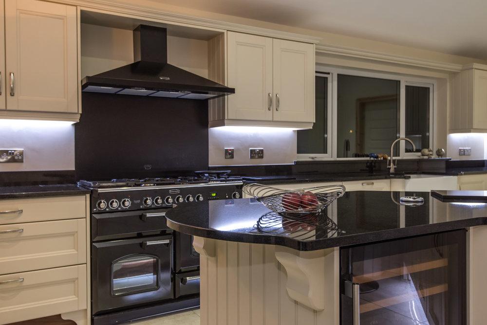 HM -005 -Hand painted kitchen.jpg