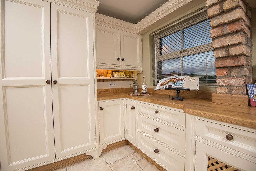 ELM -003 -Hand painted kitchen.JPG