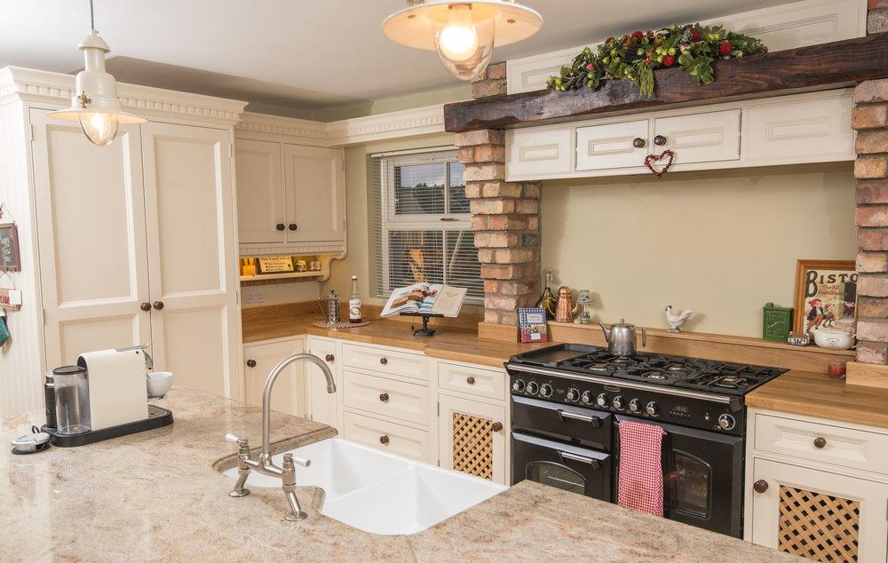 ELM -005 -Hand painted kitchen.JPG