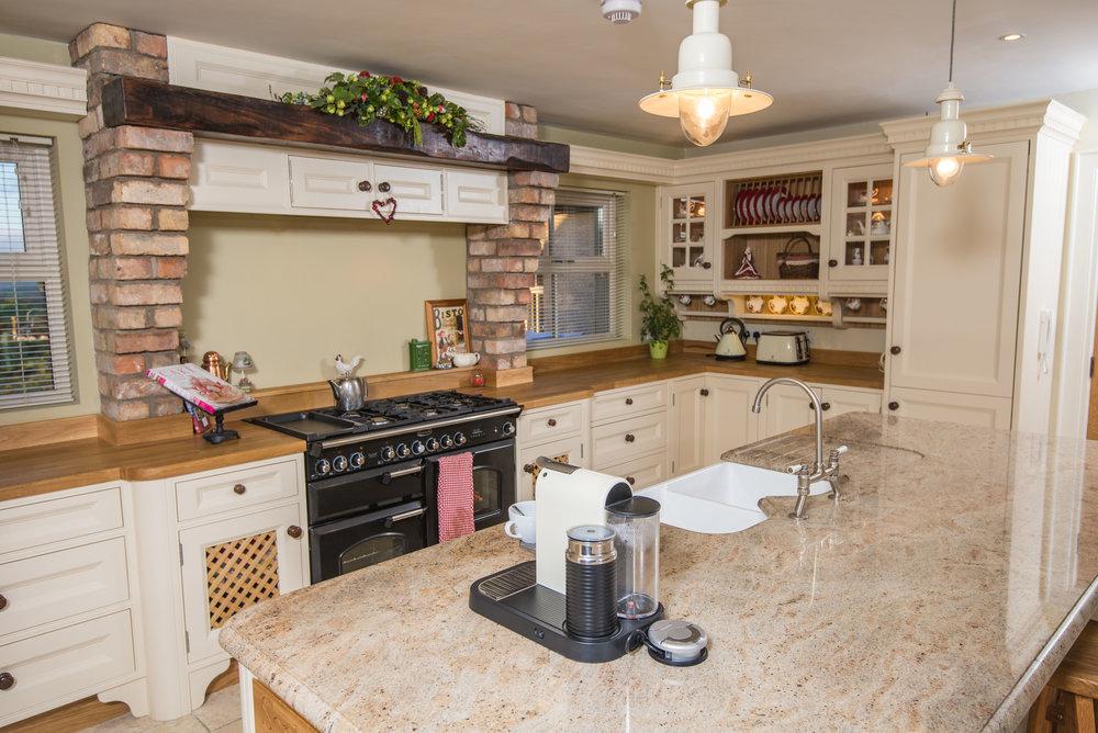 ELM -004 -Hand painted kitchen.JPG