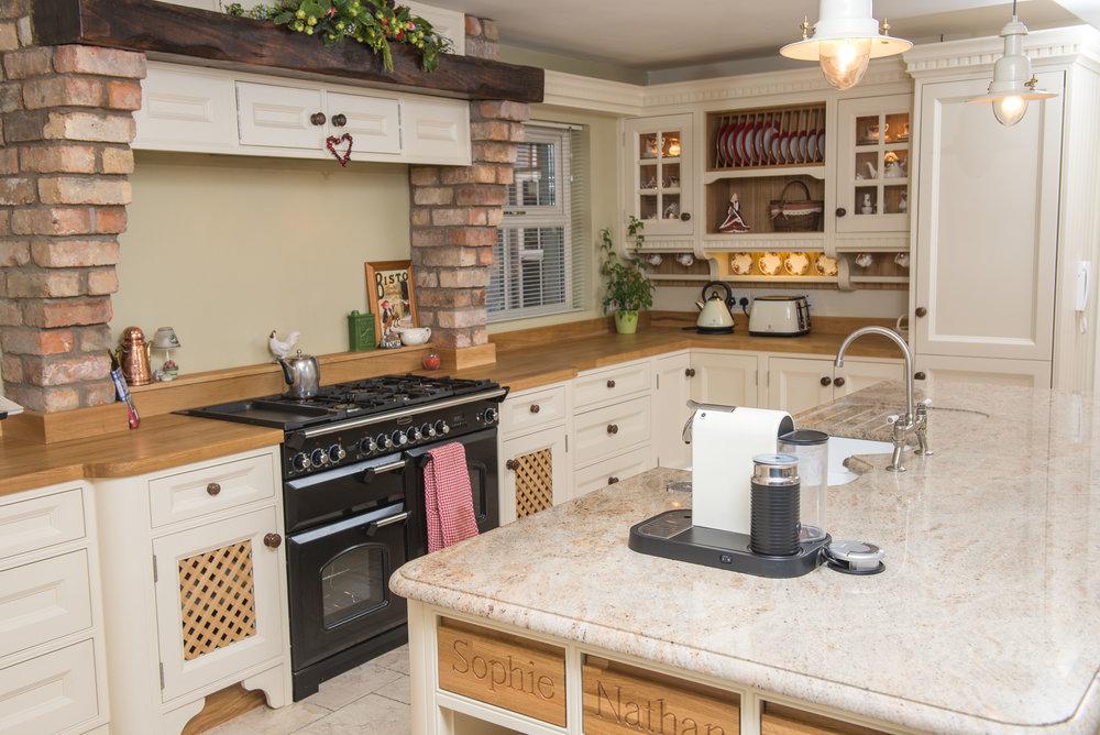 ELM -006 -Hand painted kitchen.JPG
