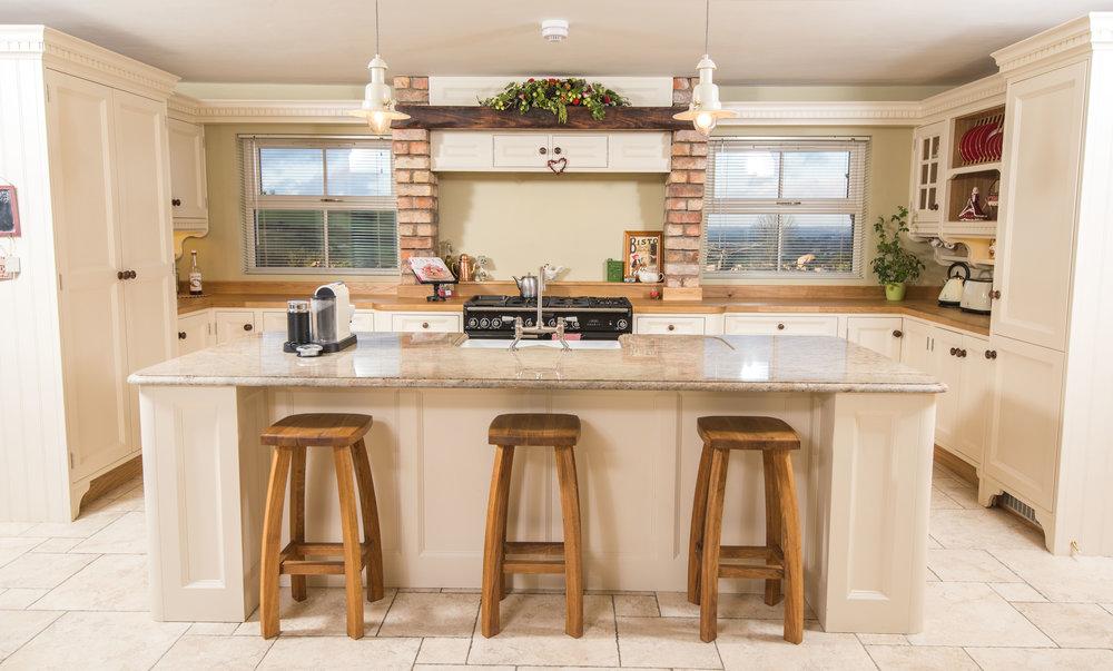 ELM -009 -Hand painted kitchen.JPG
