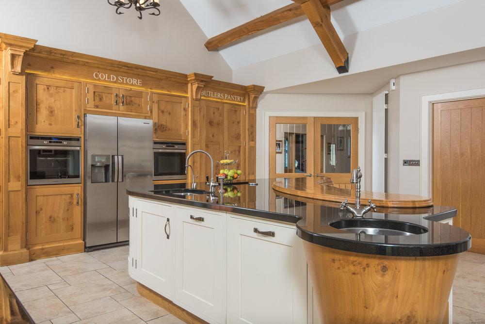 SM -013 -Pippy oak kitchen.jpg