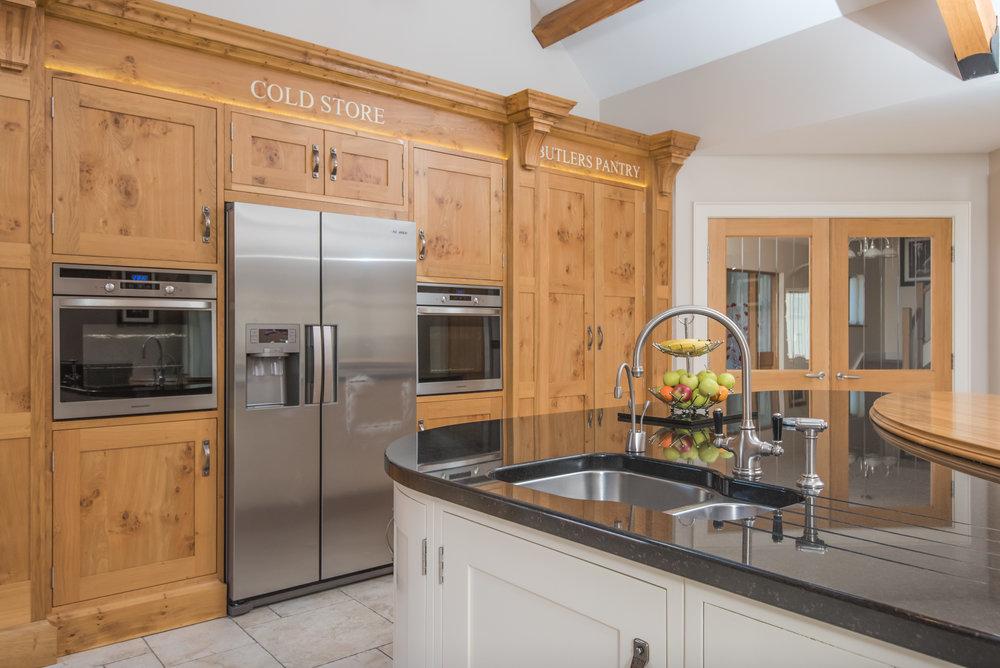 SM -017 -Pippy oak kitchen.jpg