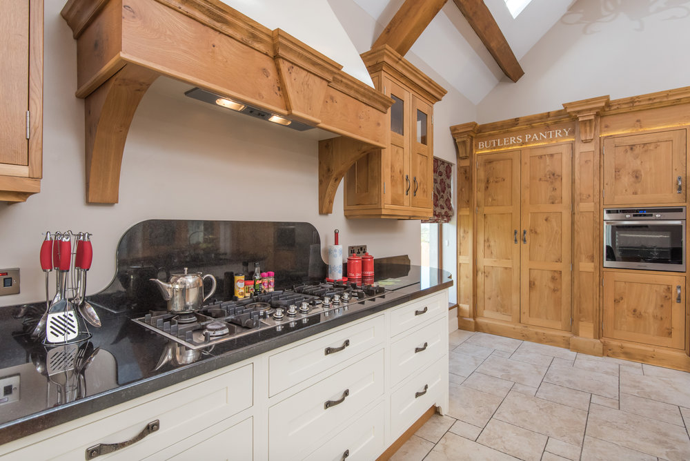 SM -016 -Pippy oak kitchen.jpg