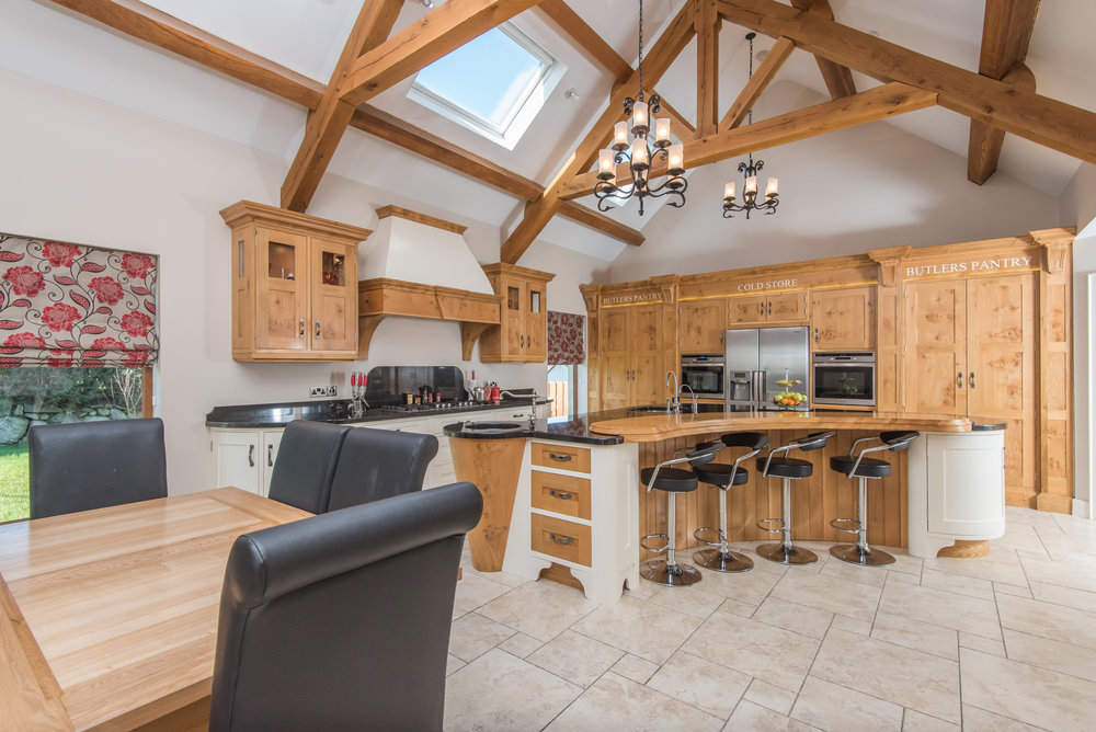 SM -004 -Pippy oak kitchen.jpg