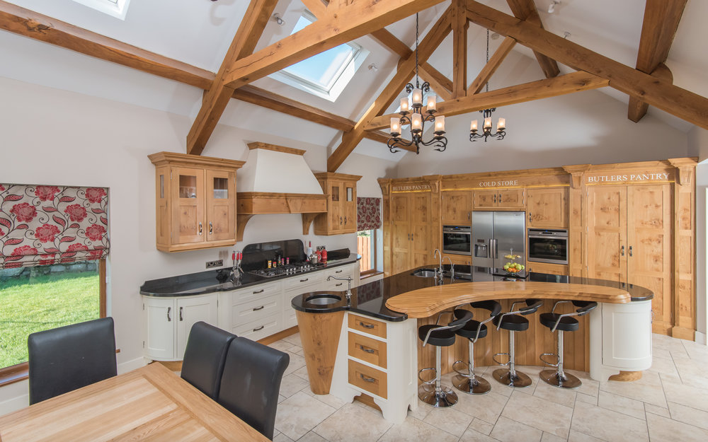 SM -005 -Pippy oak kitchen.jpg