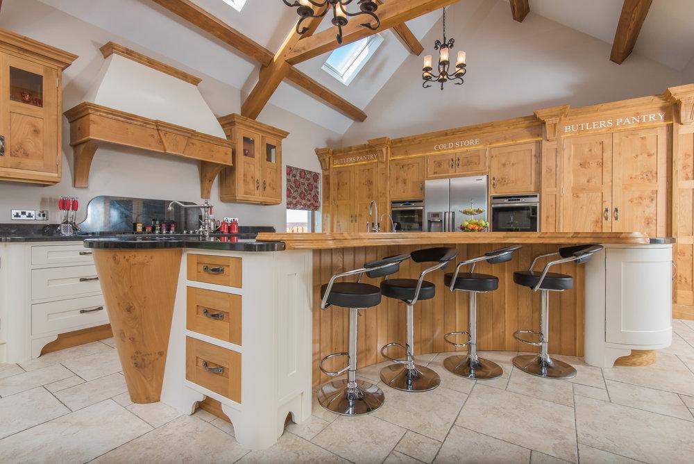 SM -006 -Pippy oak kitchen.jpg