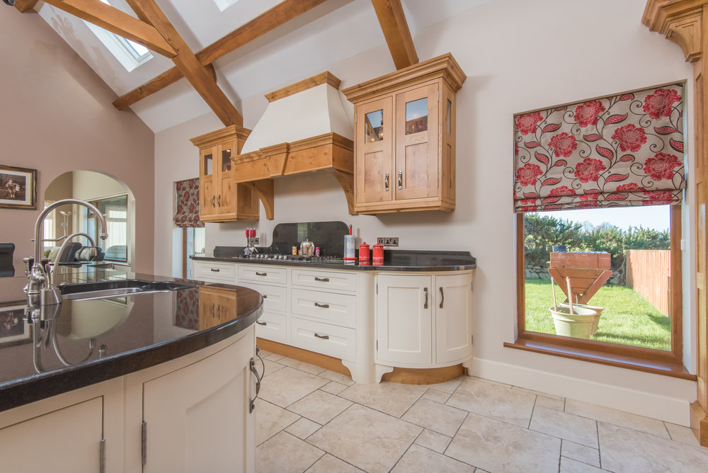 SM -009 -Pippy oak kitchen.jpg