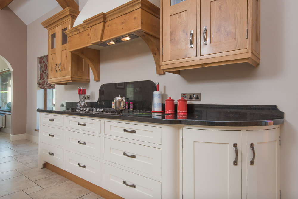 SM -010 -Pippy oak kitchen.jpg
