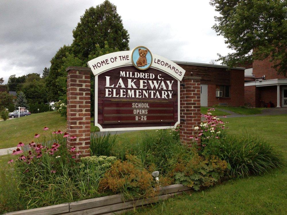 Lakeway Sign.jpg