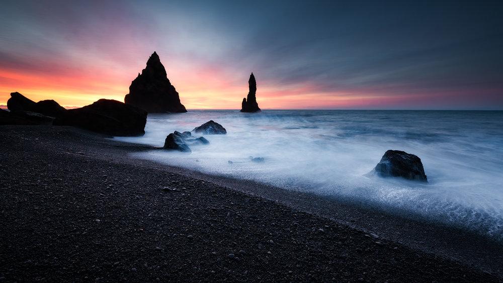 South Coast Iceland - Reynisfjara - Black Sand Beach - Reynisdrangar Sea Stacks