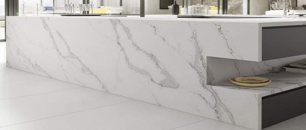 kitchen-island-with-built-up-edges-in-Compac-Unique-Calacatta-quartz-1024x434.jpg