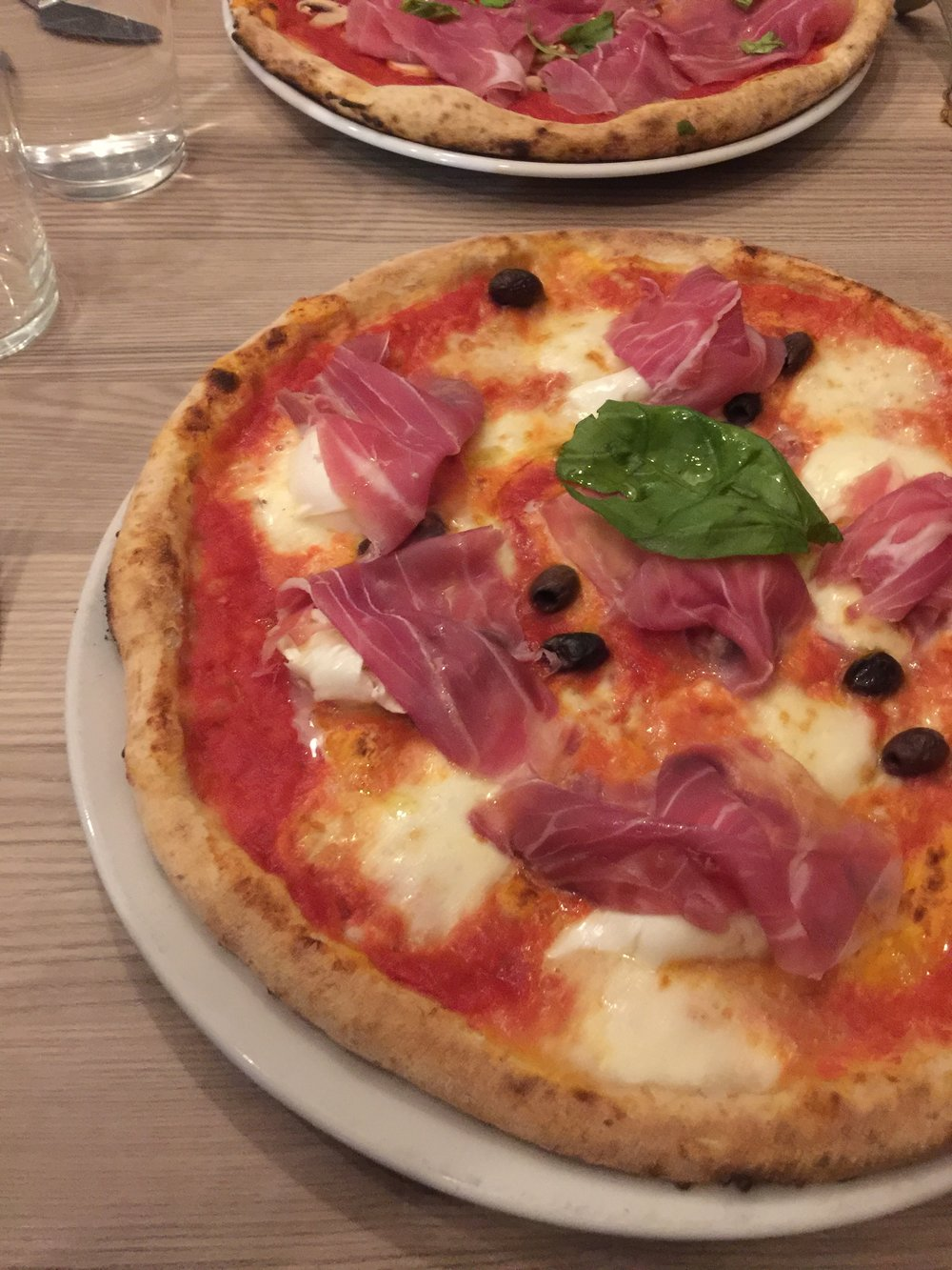 This was the best pizza I've ever tasted in Milan.