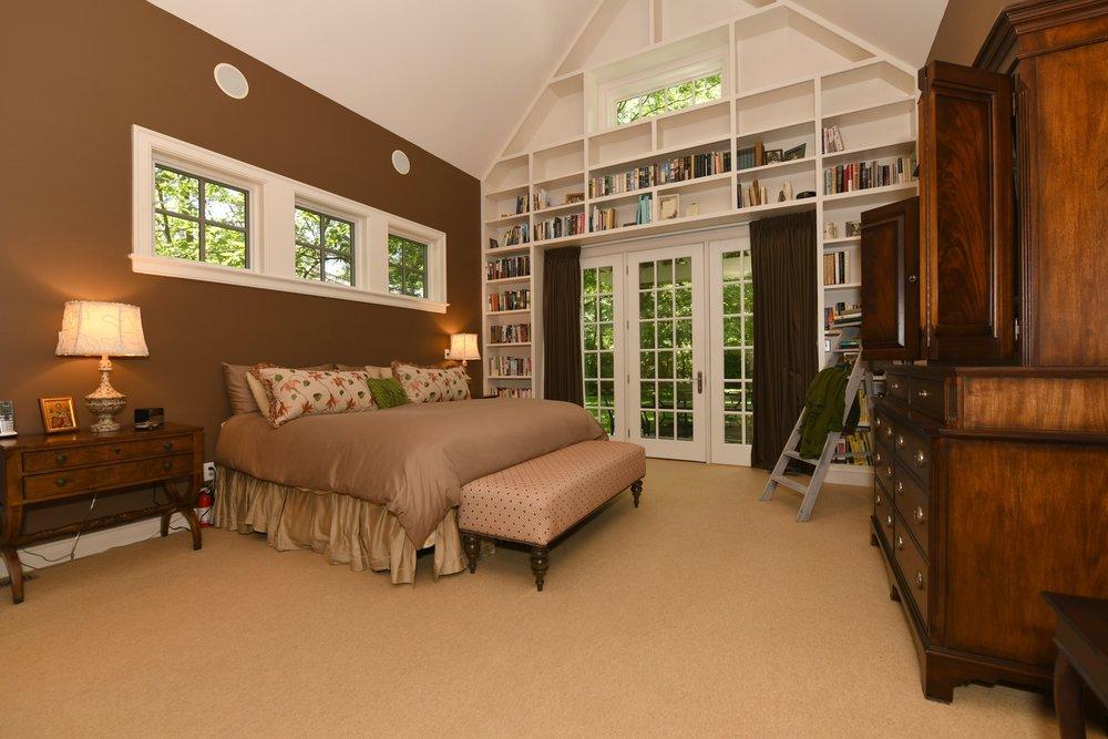 015_Master Bedroom .jpg