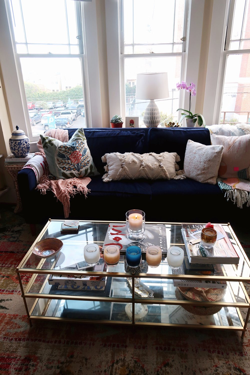 #5: COZY ACCENTS - What is a living space if it's not cozy?